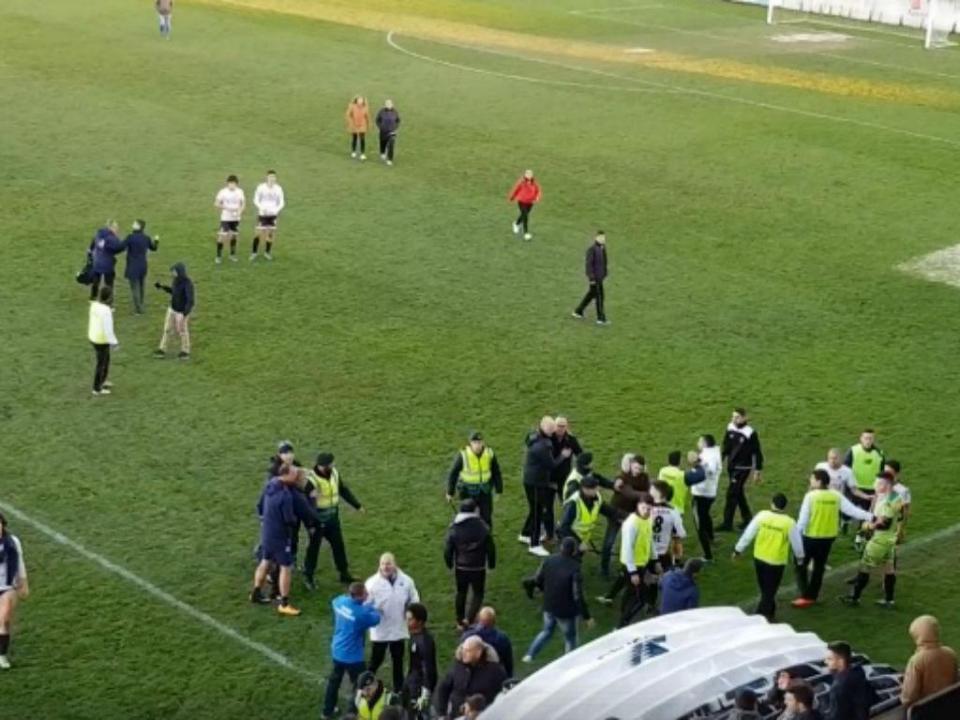 Juniores do FC Porto com jogo à porta fechada