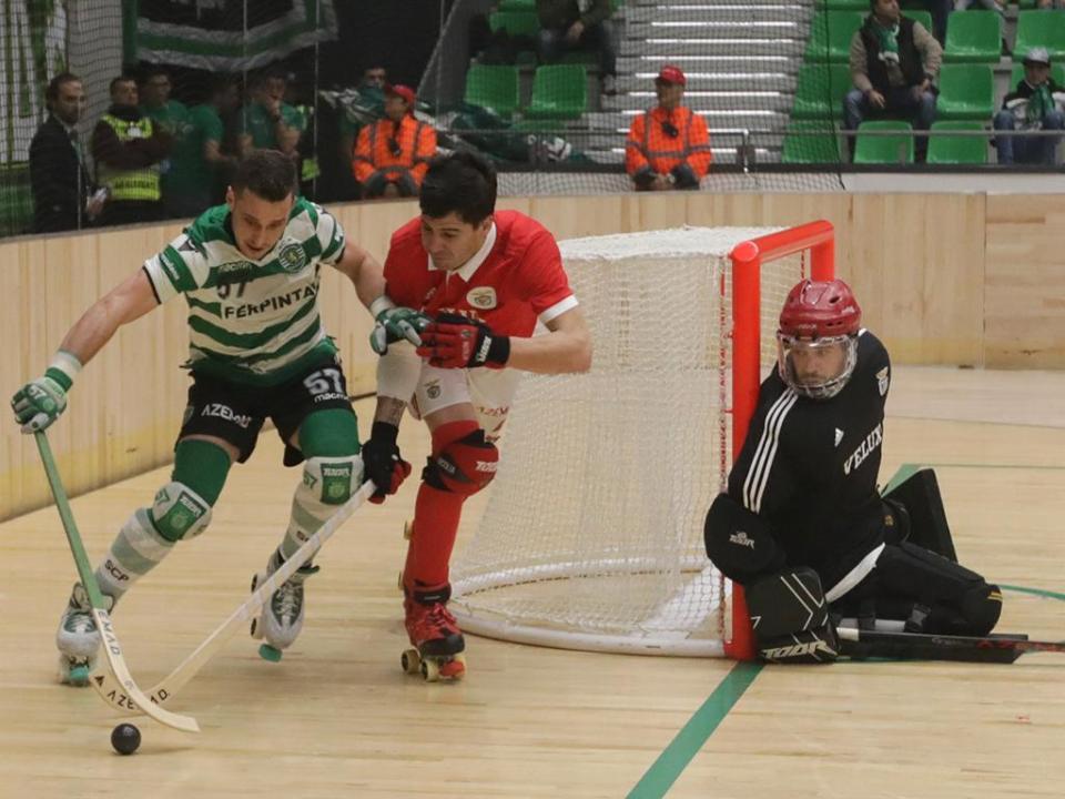 Sporting renova com hoquista espanhol Toni Pérez