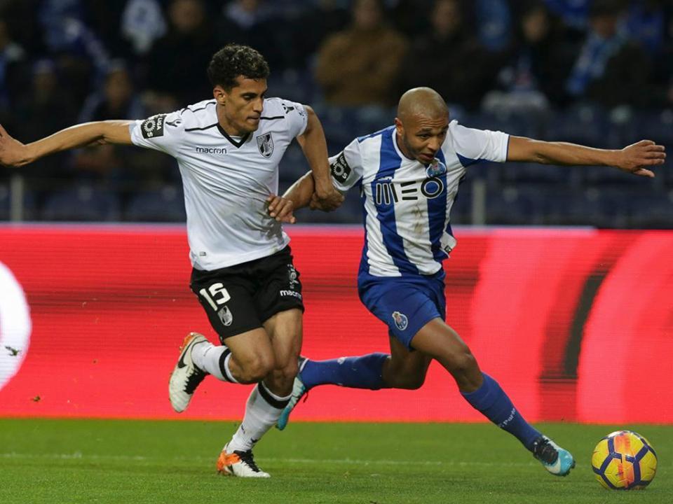 Vitória de Guimarães-FC Porto joga-se sábado às 16 horas