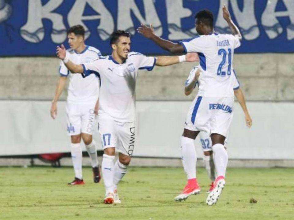 Chipre: Bruno Vale e João Pedro com um pé na final da Taça