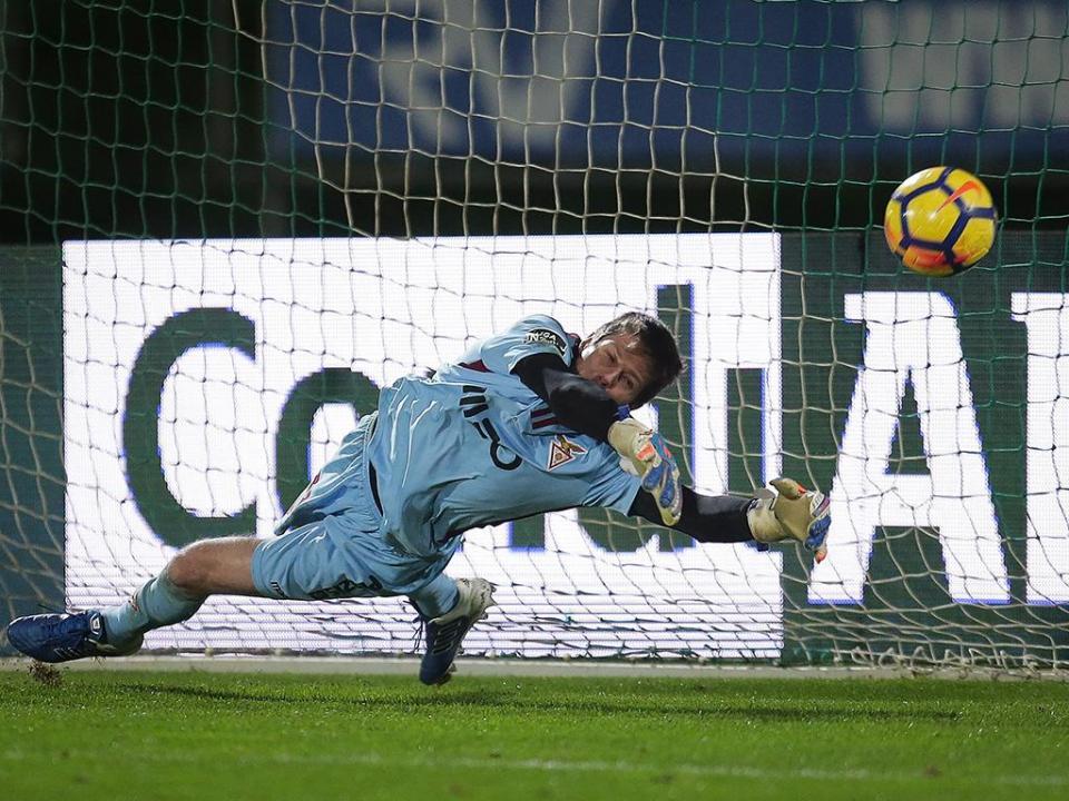 Adriano: «Dois golos nos primeiros 11 minutos condicionaram-nos»