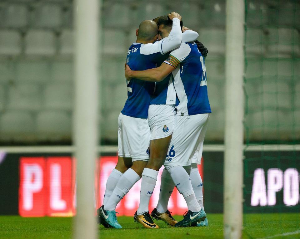 VÍDEO: VAR corrige e FC Porto vê golo de Danilo anulado
