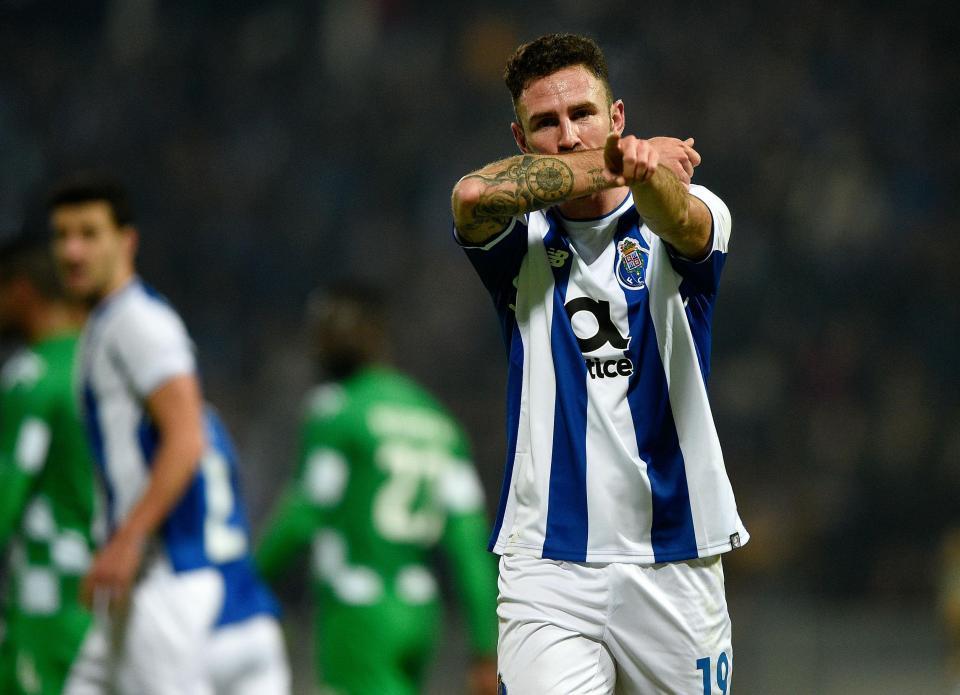 Miguel Layún: «Sei que o FC Porto quer que eu volte»