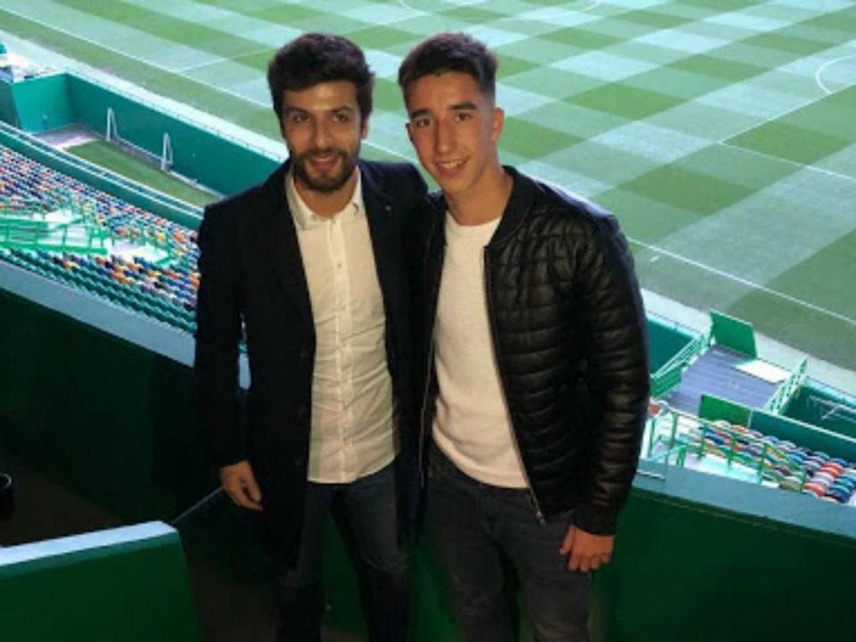 Sporting assina contrato profissional com central de 16 anos