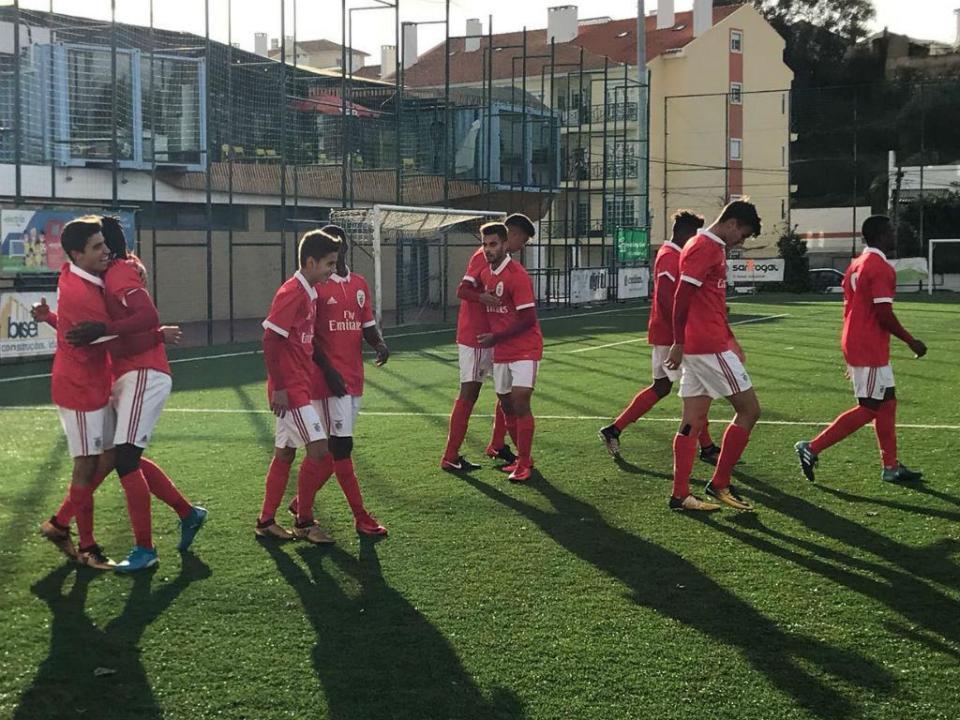 Juniores: Benfica goleia e sobe à liderança isolada da Zona Sul