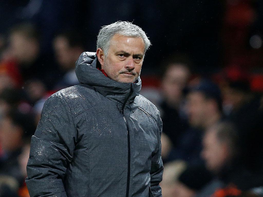 Mkhitaryan fica fora de jogo do United e reforça expectativa sobre troca
