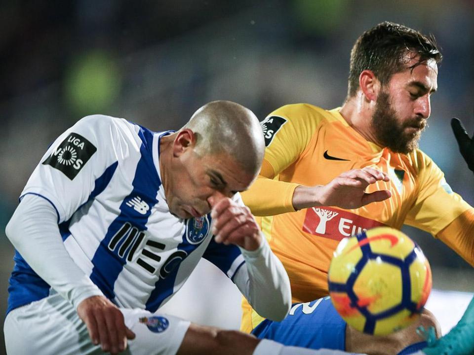 Estoril-FC Porto: dois em meio jogo é familiar ao dragão, dar a volta não