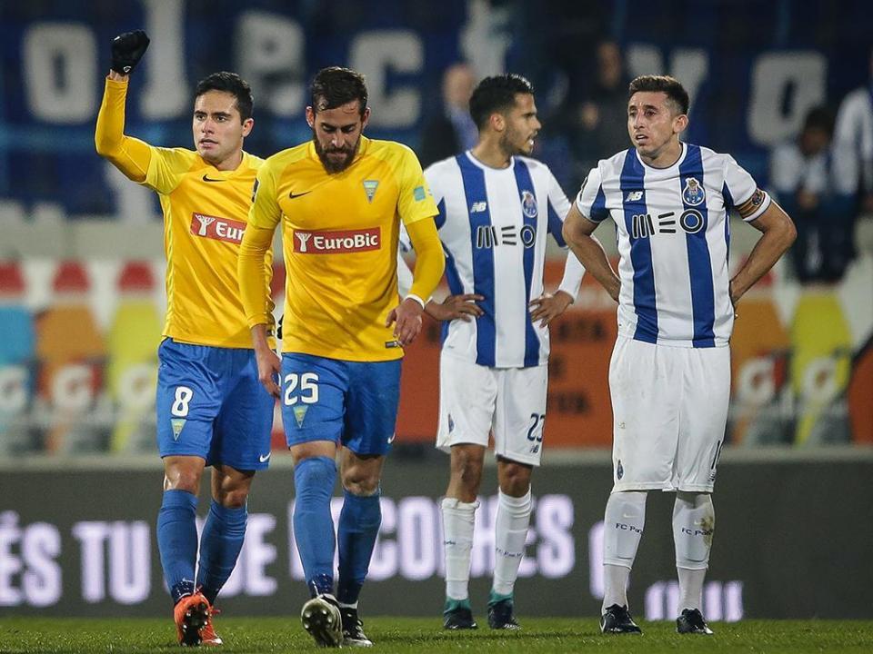 FC Porto tem oito indisponíveis para a segunda parte no Estoril