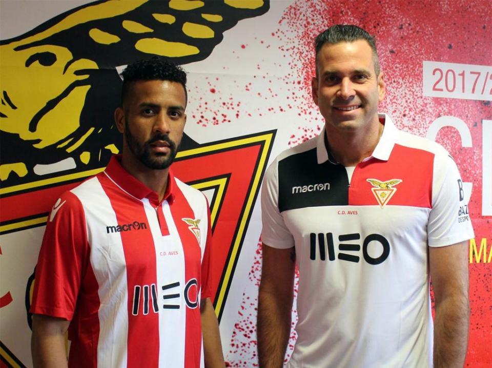 Artur Moraes deixa Desp. Aves