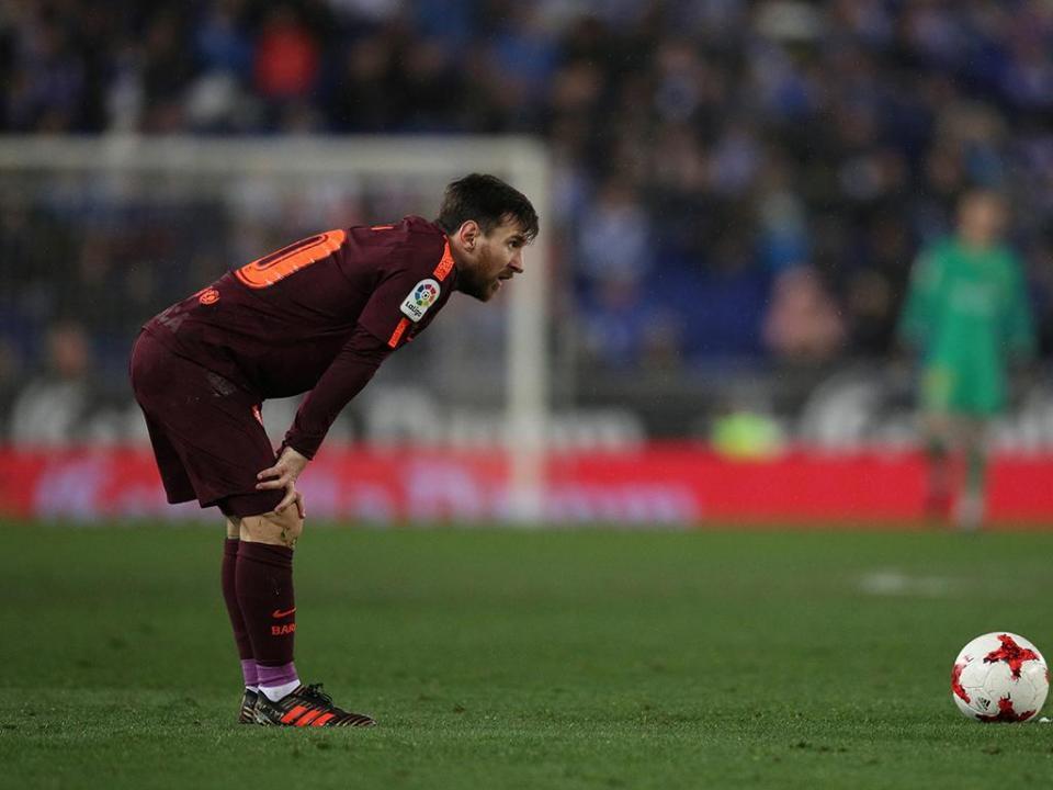 Alexis: «Vi Messi chorar no balneário do Barcelona»