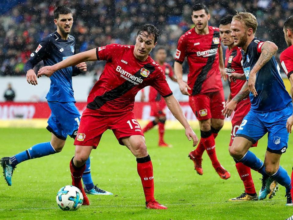 Leverkusen perde com o Estugarda e cai dos lugares de acesso à «Champions»