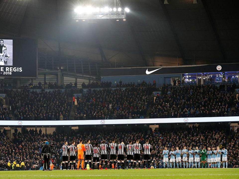 OFICIAL: Newcastle aciona opção de compra de Martin Dúbravka