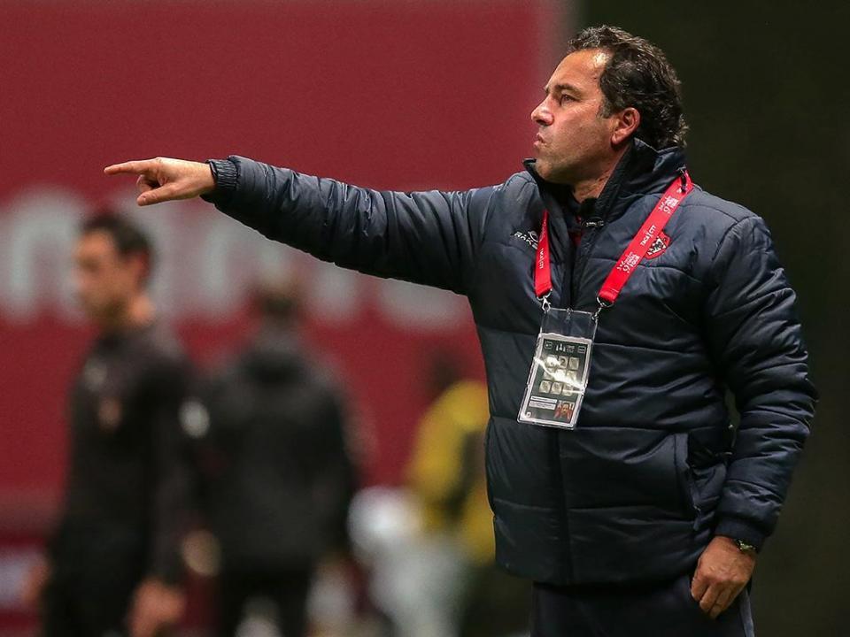 Treinador Pedro Miguel renova pela Oliveirense