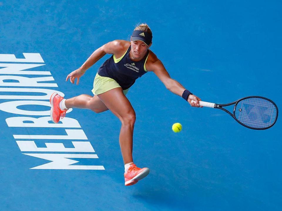Wimbledon: Angelique Kerber apura-se para a final