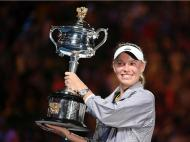 Caroline Wozniacki vence Open da Austrália (EPA/LUKAS COCH)