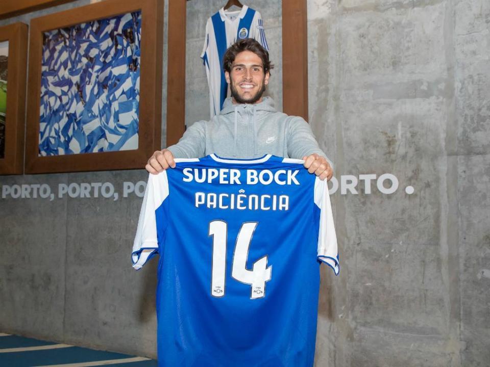 Eibar vai fazer proposta mas Gonçalo Paciência quer ficar no FC Porto