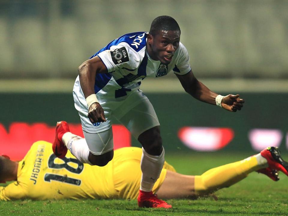 Waris não é convocado há um mês: «Esperava que jogasse mais»