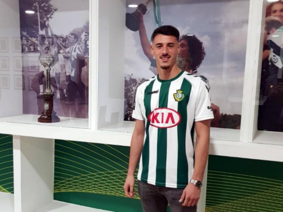 OFICIAL: André Pereira emprestado pelo FC Porto ao V. Setúbal