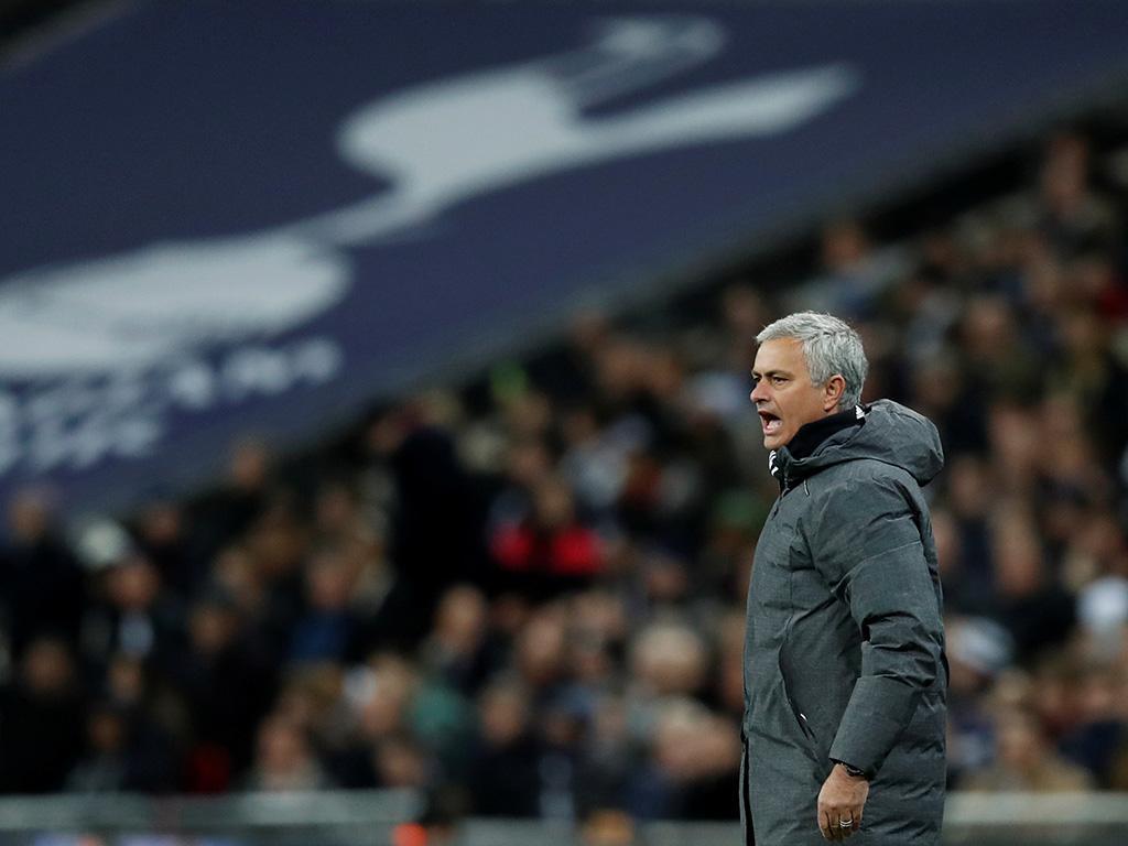 Inglaterra: Mourinho mostra-se a favor da utilização do VAR