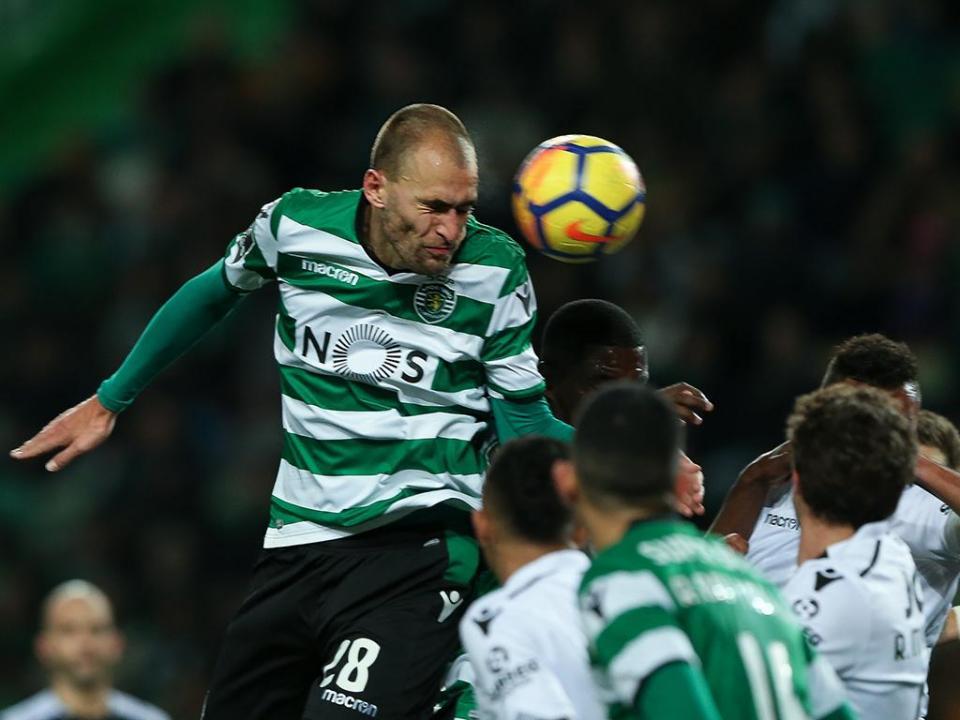Sporting: Bas Dost regressa aos convocados