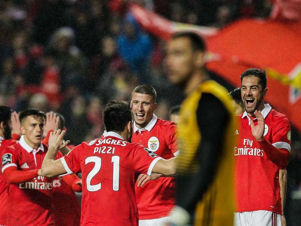 Benfica: Salvio e Rúben Dias no estágio de Inglaterra