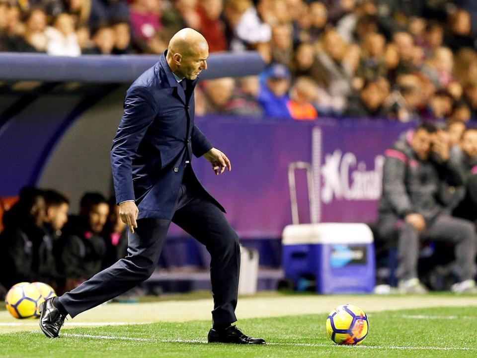 Amiens desafia Zidane...a voltar a jogar
