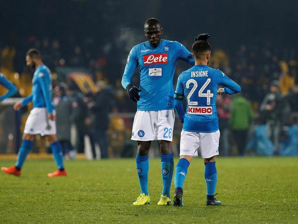 Nápoles vence Lazio com golo de Mário Rui e regressa à liderança