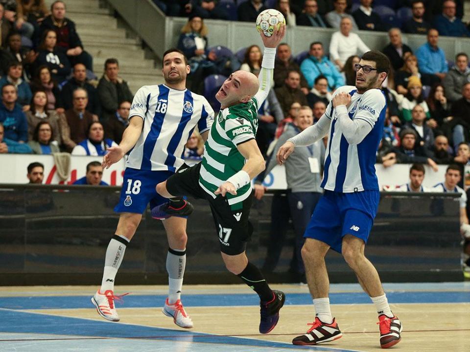Andebol: FC Porto-Sporting nas meias-finais da Taça