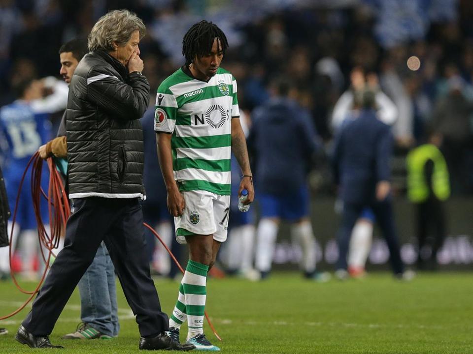 Sporting-Feirense (equipas): Jesus muda quatro