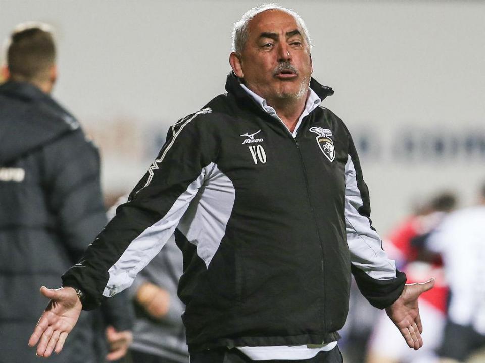 Vítor Oliveira: «Na segunda parte fomos tão bons como o Benfica»