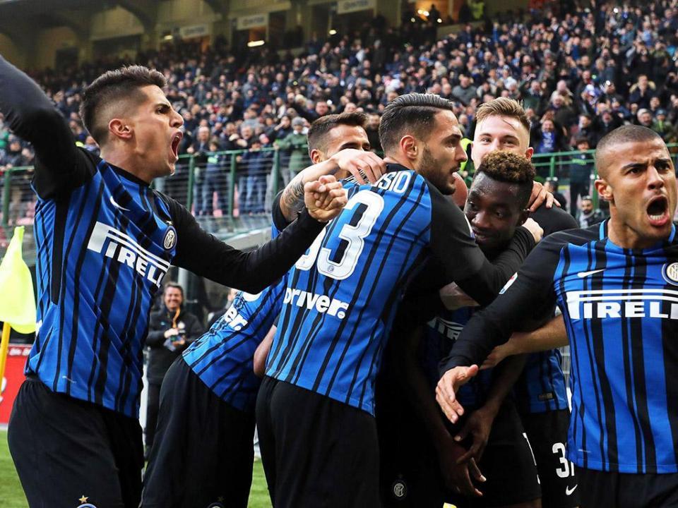 Cancelo titular e estreia de Lisandro no regresso às vitórias do Inter