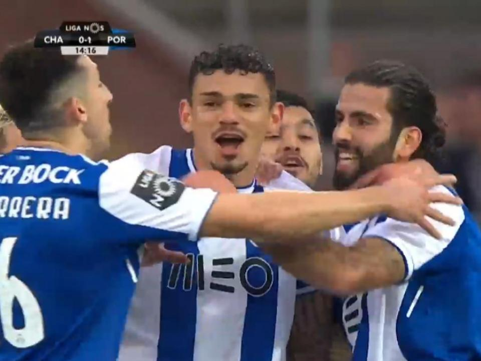 VÍDEO: Soares dá vantagem ao FC Porto em Chaves
