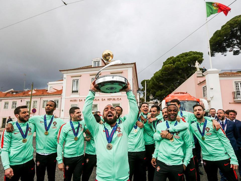 Futsal: Parlamento aprova voto de saudação à Seleção