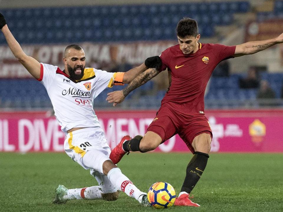 Roma vence e passa rival na Serie A