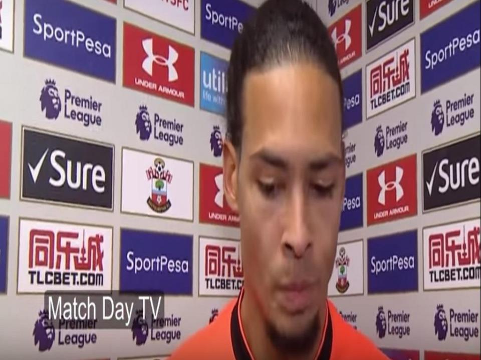 VÍDEO: a reação de Van Dijk ao saber que Man. United perdeu
