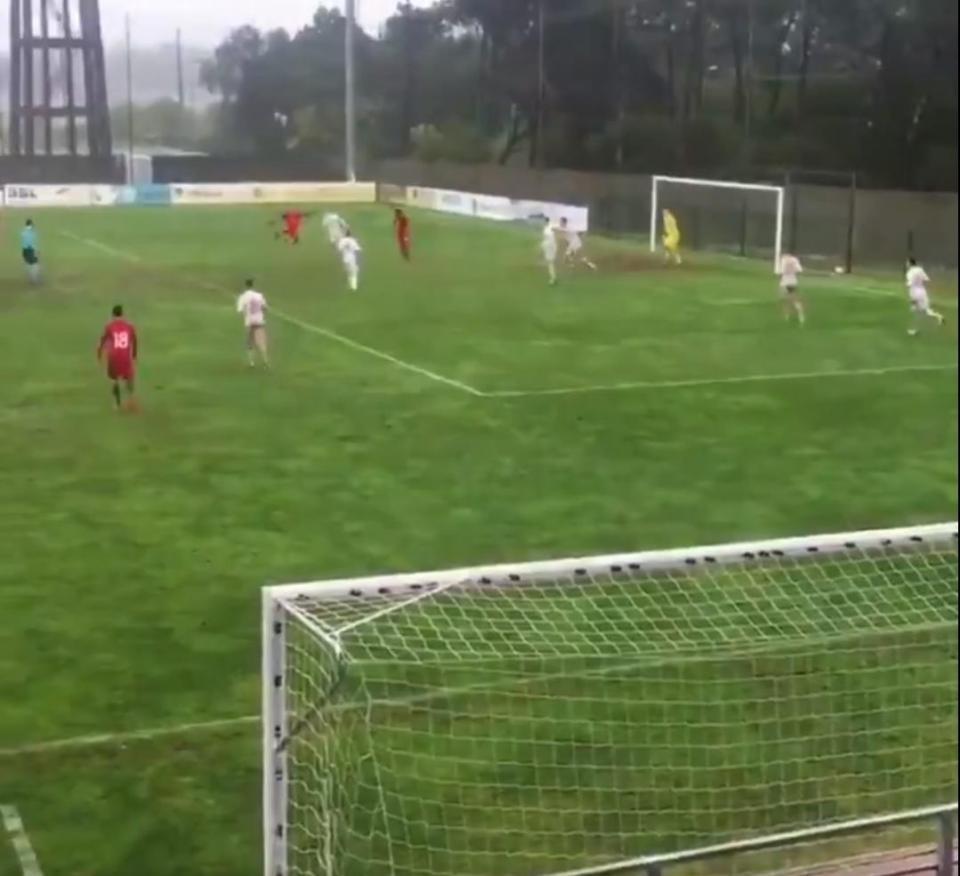 VÍDEO: golaço de Diogo Brás no triunfo da seleção sub-18