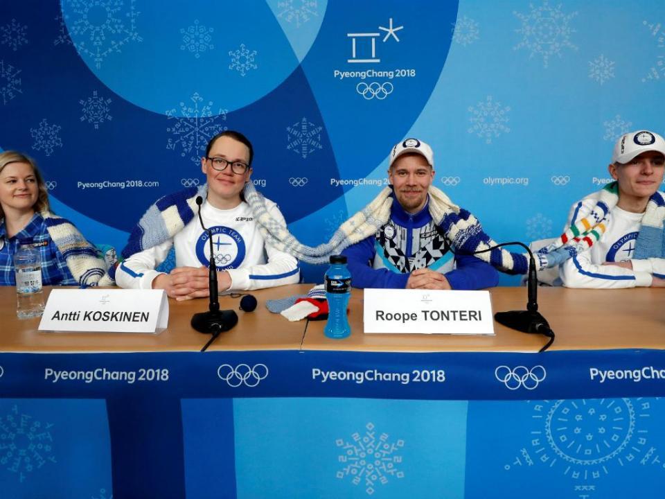 FOTOS: atletas finlandeses passam o tempo a tricotar em PyeongChang