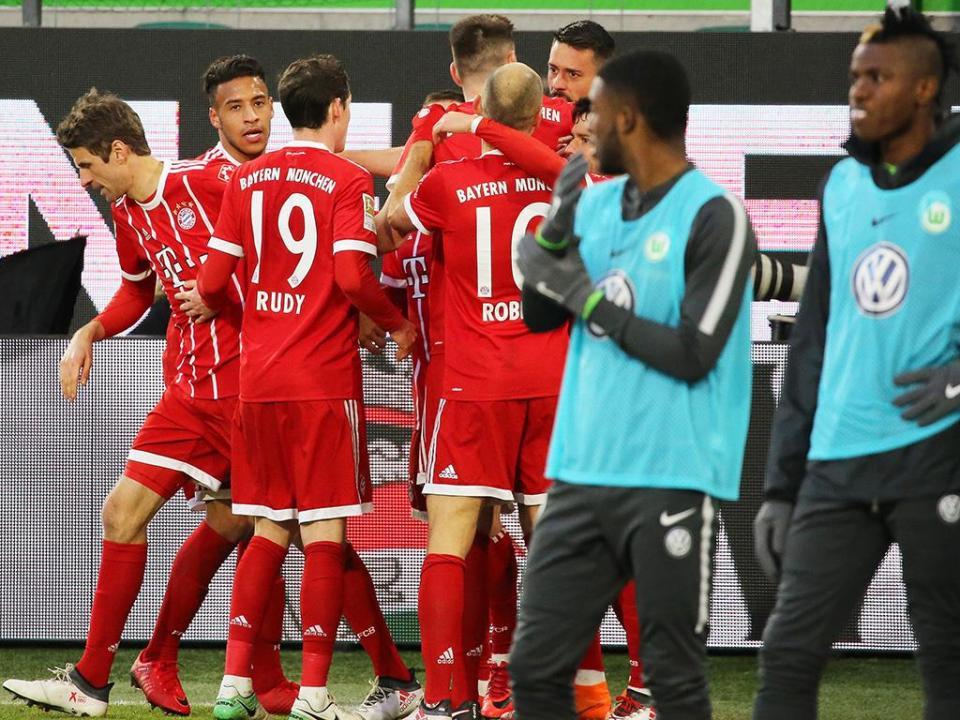 Alemanha: reviravolta dá décima vitória seguida ao Bayern