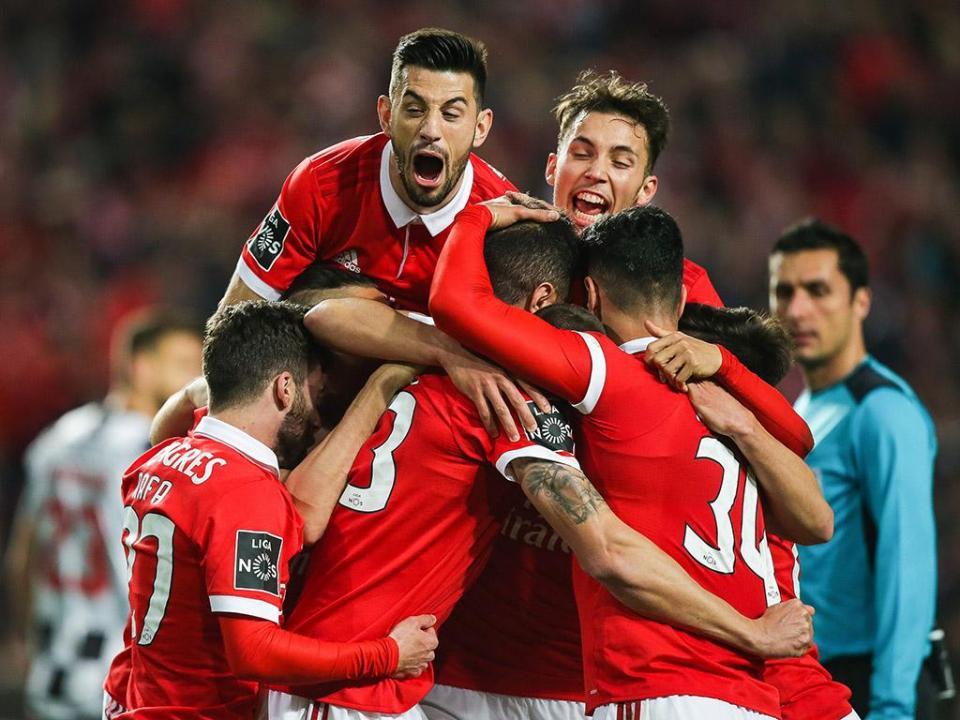 VÍDEO: o terceiro do Benfica chegou num autogolo de Nuno Henrique