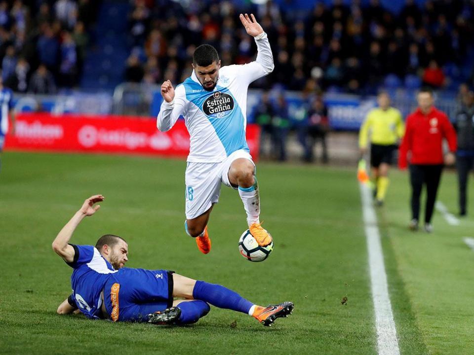 Golaço de Munir dá vitória ao Alavés frente ao Deportivo de Luisinho