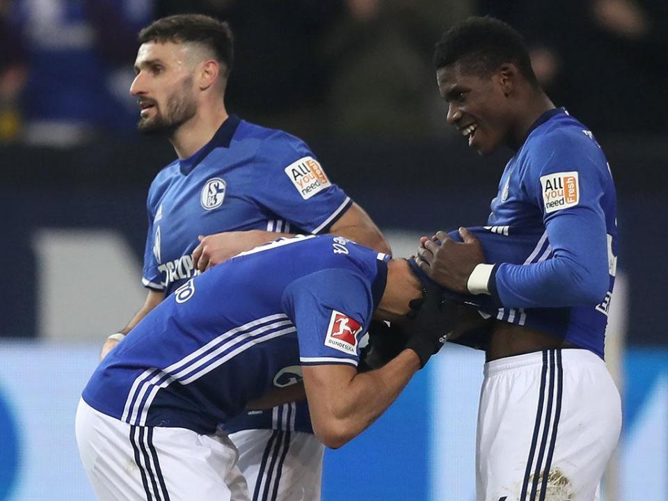 Alemanha: Schalke regressa aos triunfos três jogos depois