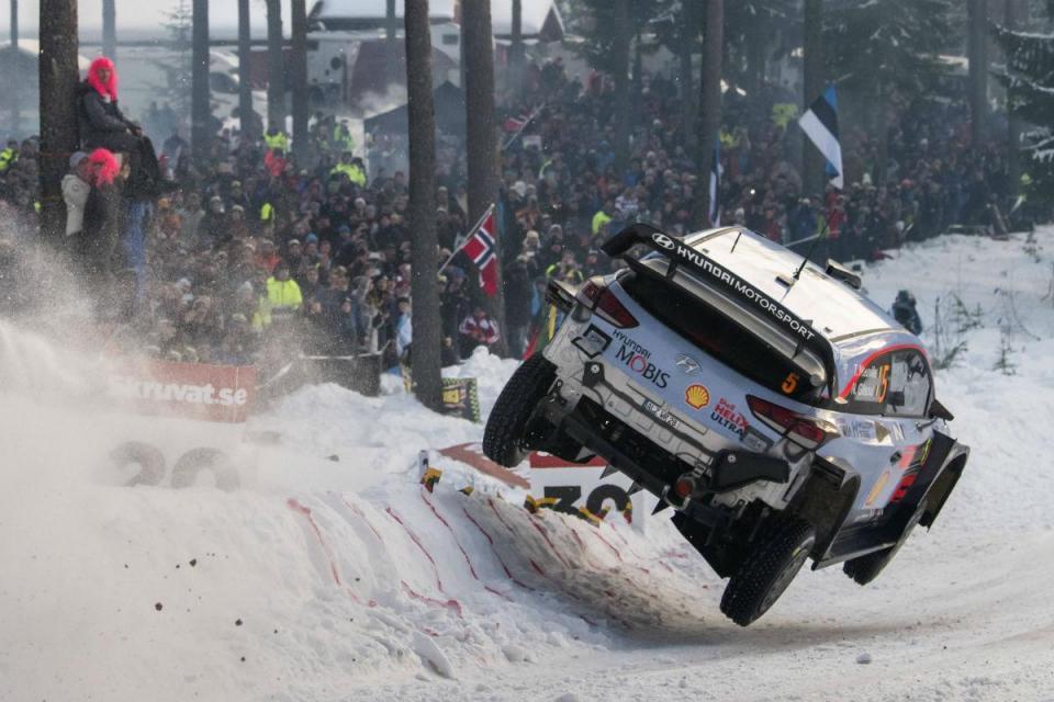 WRC: Thierry Neuville impera na Suécia