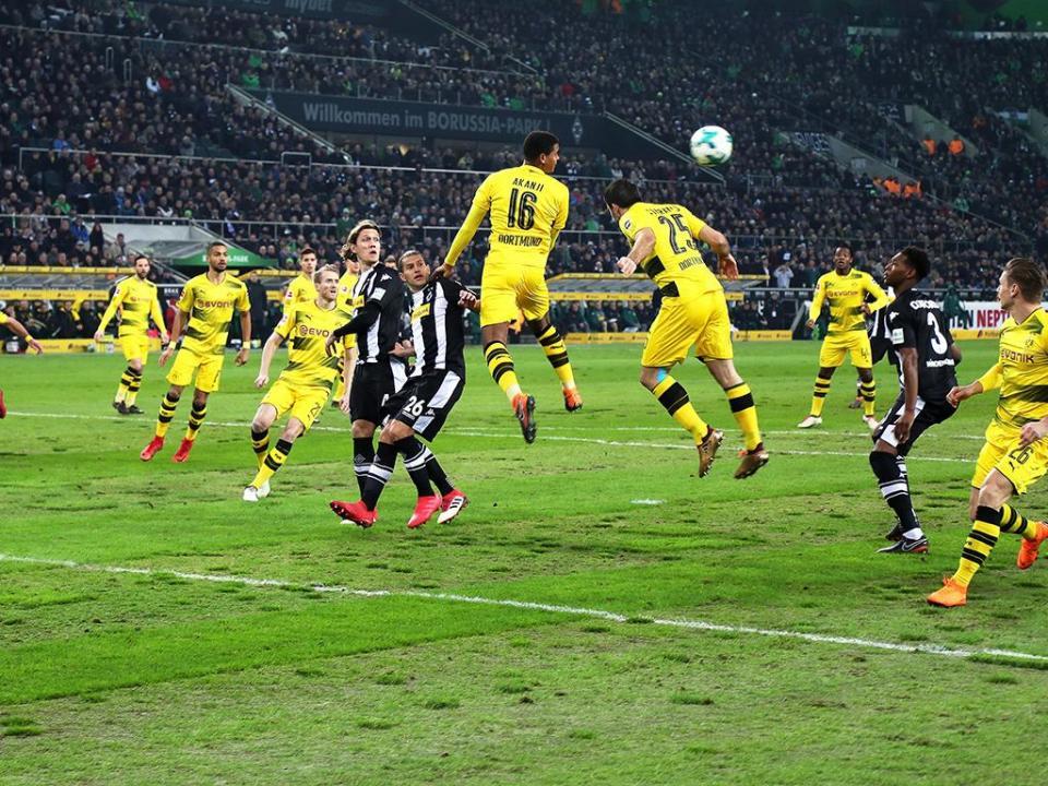 Uma semana depois de voltar de lesão grave, Reus dá vitória ao Dortmund