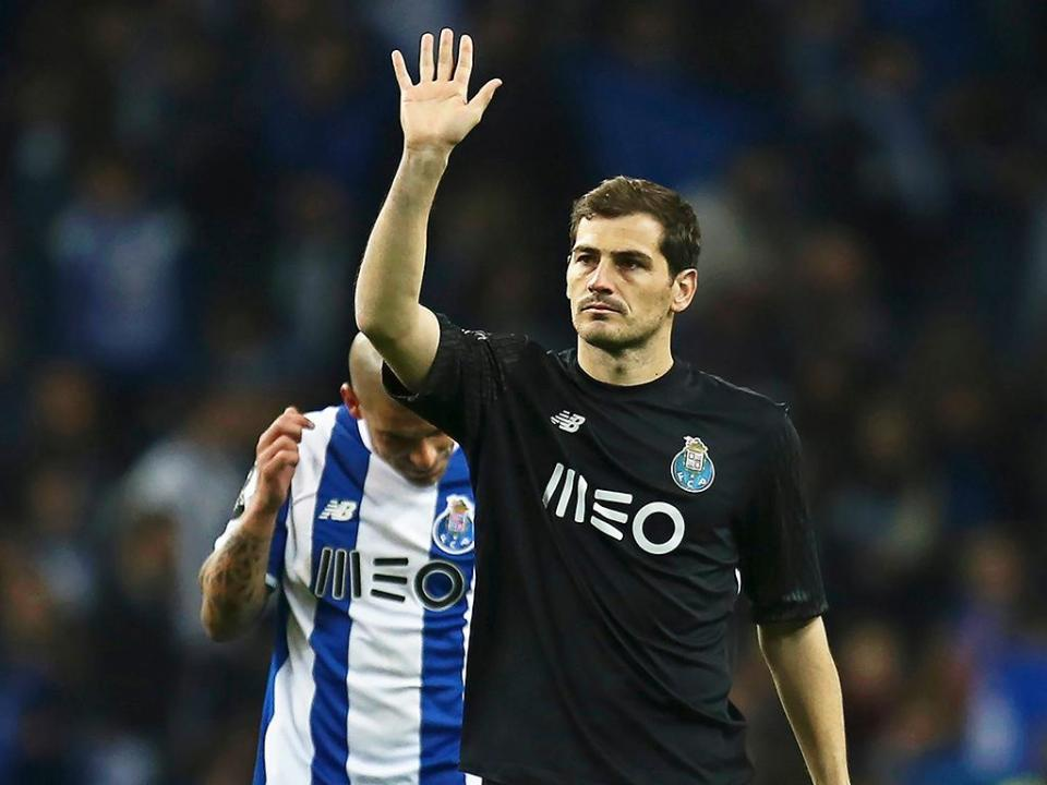 Casillas: «Continuamos vivos, dependemos de nós»