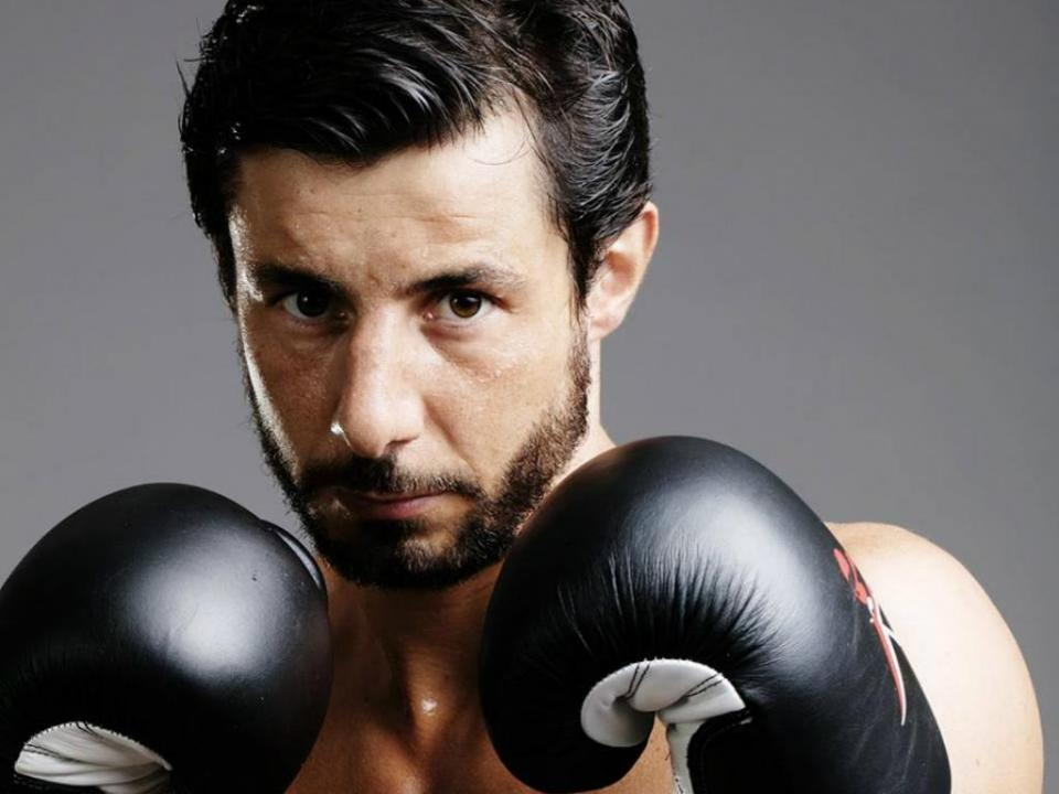 Pedro Kol sagra-se campeão europeu de kickboxing