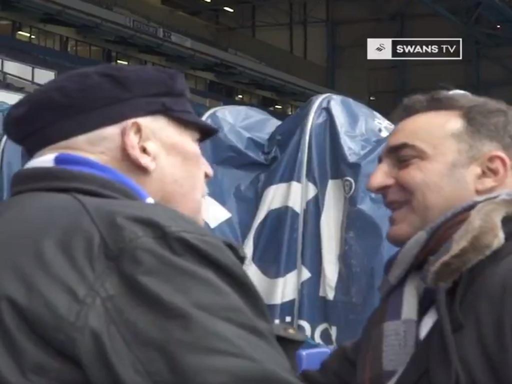 VÍDEO: Carvalhal emociona-se no regresso a Hillsborough