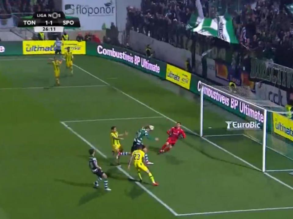 VÍDEO: Bas Dost faz o 1-1 em Tondela