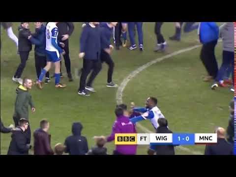 VÍDEO: Aguero agride adepto do Wigan após eliminação do City