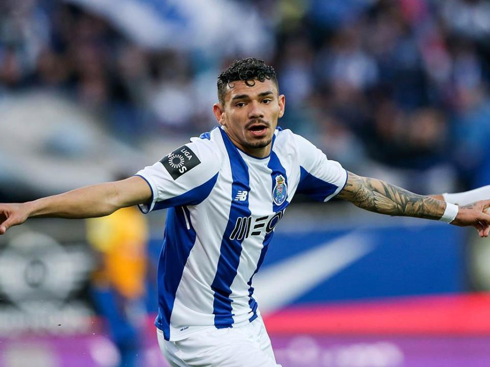 FC Porto: Soares e Telles continuam com treino condicionado