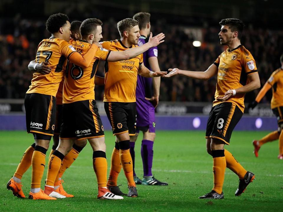 Fuga aos regulamentos? Liga vai reunir com Wolverhampton